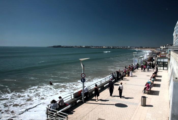 gite proche grande plage remblai saint gilles