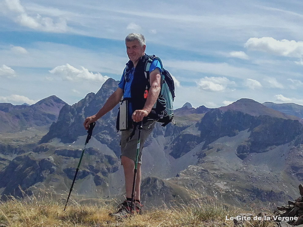 Charles gère depuis des années le gîte de groupe de la Vergne, ici en trail randonnée