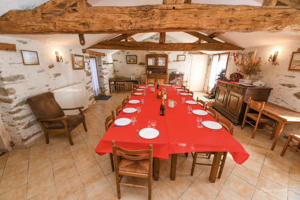 Gîte de groupe en Vendée avec une salle pour se réunir